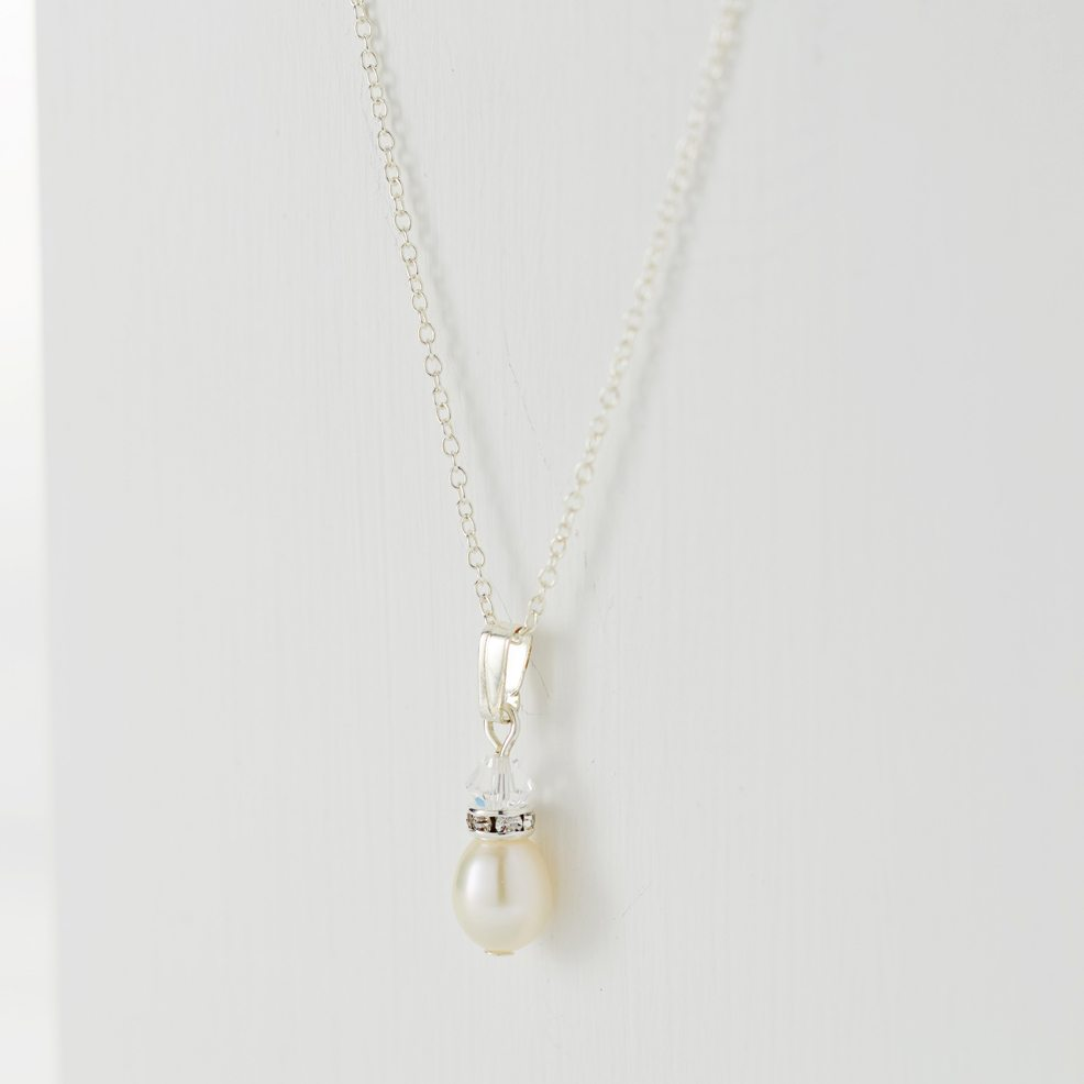 Annie-necklace-sterling=silver-chain-freshwater-pearl-drop