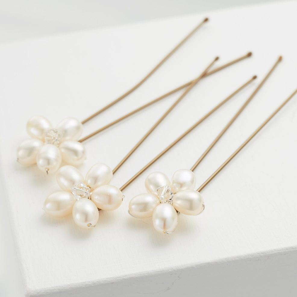 Daisy-Pearl-Pins