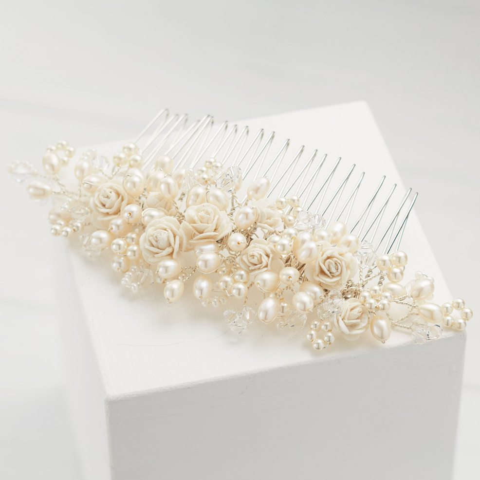 Rose-Comb-wedding-comb-freshwater-pearls-roses