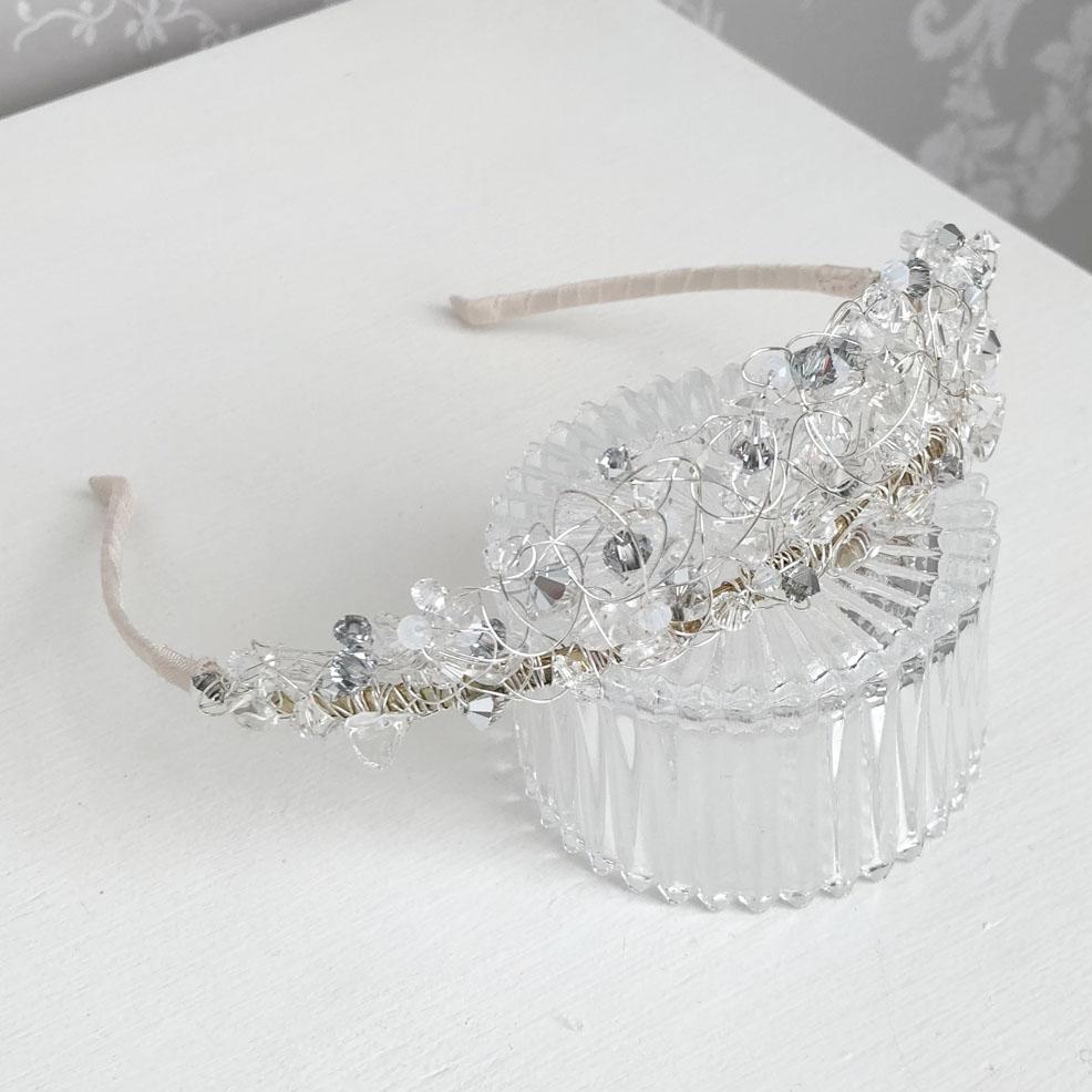 sale-neve-winter-wedding-tiara
